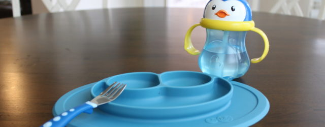 Dinnertime with a toddler is not easy! These are the 8 stages every toddler goes through during dinner.